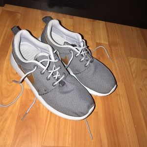Nike Roshe's